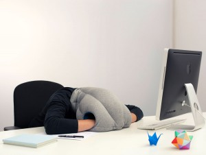 ostrich-pillow-portable-power-nap-micro-environment-2