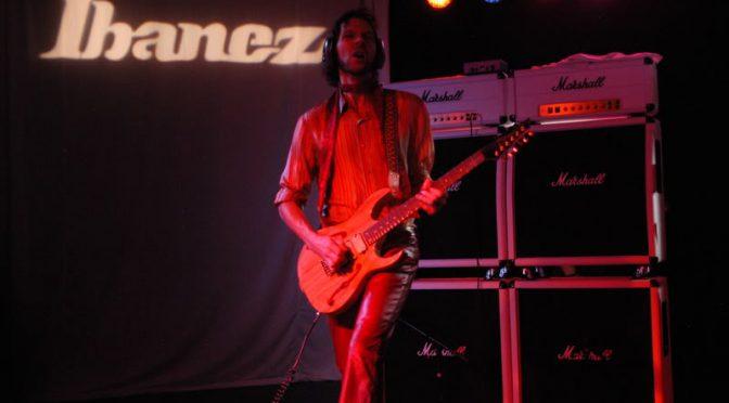RACER X の NAMM 2009 にやられ、そこからTHE SCREAM、Motley Crueと計3曲。