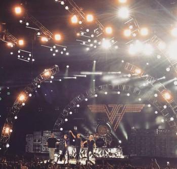 Van_Halen_stage_Seattle_2015_2