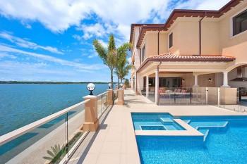 665790-2-million-dollar-homes