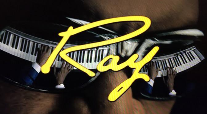 レイ・チャールズが表舞台で取り戻した光と、舞台裏で拭えなかった心の闇:映画『Ray/レイ』鑑賞記