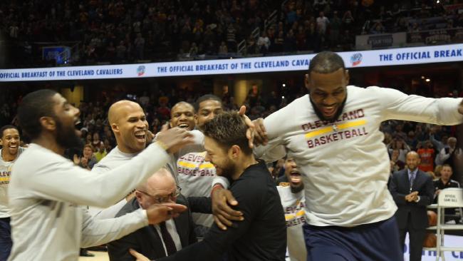 オーストラリア ライフスタイル&ビジネス研究所:NBA デラベドバ選手が派手に祝福されたクリーブランド凱旋