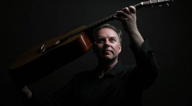 オーストラリア ライフスタイル&ビジネス研究所:スコット・バーフォード、ギター連続演奏時間で世界記録更新