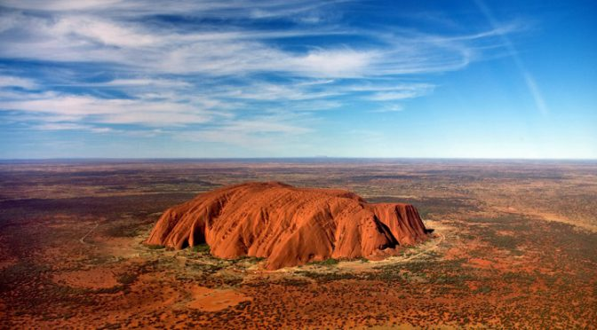 オーストラリア ライフスタイル&ビジネス研究所:夏にこそ訪ねたい、世界のおすすめ旅行先44選(ウルル・カタ・ジュタ国立公園)