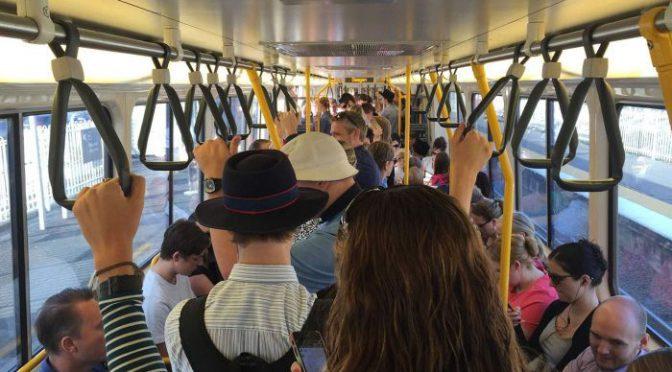 オーストラリア ライフスタイル&ビジネス研究所:国民の通勤時間・不幸度ともに増加