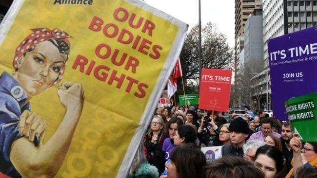 オーストラリア ライフスタイル & ビジネス研究所:全州で人工中絶合法に