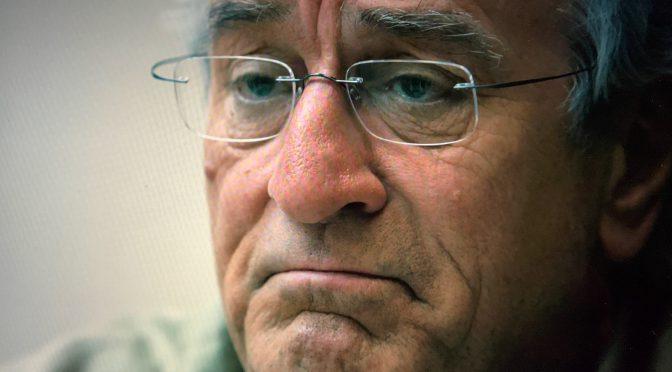 ロバート・デニーロが演じた史上最大の金融詐欺師の苦悩:映画『ウィザード・オブ・ライズ』鑑賞記